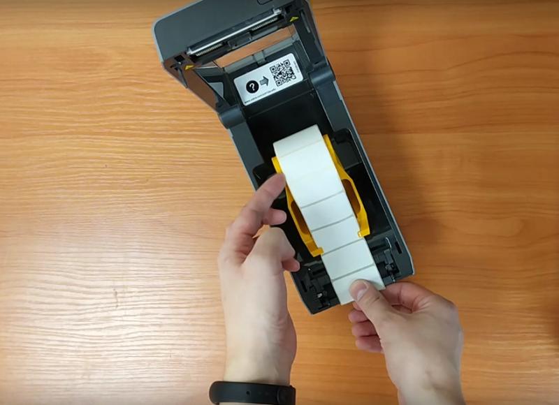 принтер этикеток с лентой